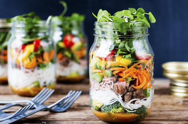 Salada no pote – saiba o passo a passo para montar a sua!